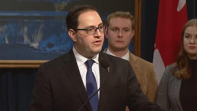 Le ministre de l'Enseignement supérieur Demetrios Nicolaides en conférence