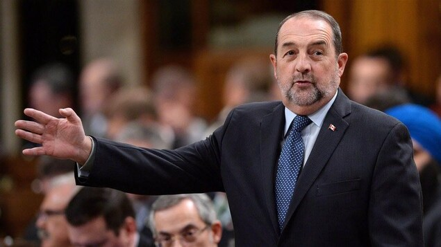 Le député conservateur de Lac-Saint-Jean, Denis Lebel, s'adressant à la Chambre des communes.