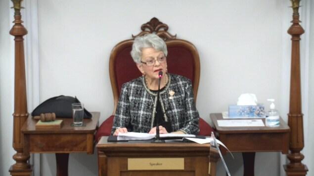 Antoinette Perry lit le discours.