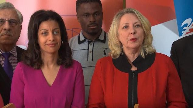 Dominique Anglade et Christine St-Pierre lors d'une conférence de presse.