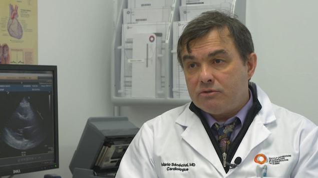Dr Mario Sénéchal en entrevue dans son bureau de l'IUCPQ.