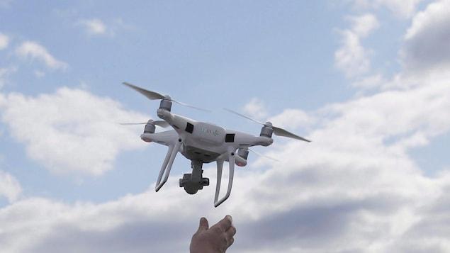 Un drone en vol.