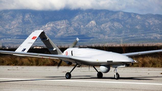 Un drone militaire turc Bayraktar TB2.