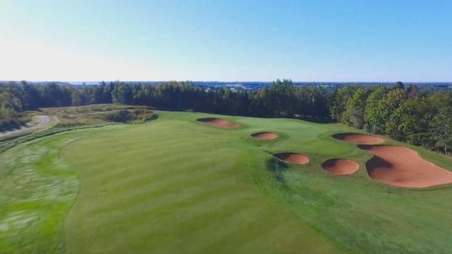 Images de drone du parcours de golf de Dunderave, à l'Île-du-Prince-Édouard.