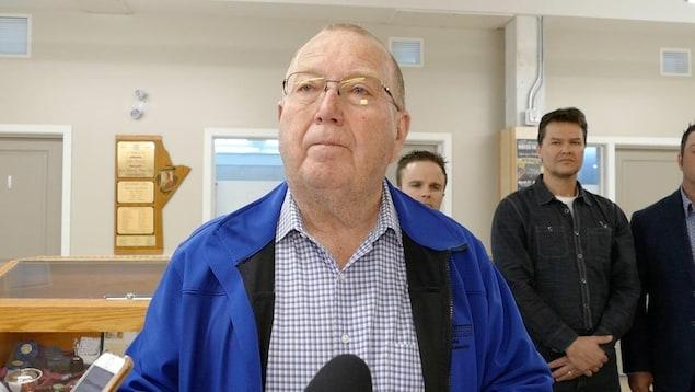 Le ministre de l'Agriculture du Manitoba, Ralph Eichler