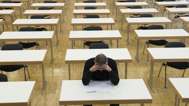 Un enseignant sur cinq affirme qu'on leur a déjà demandé de modifier des résultats, rapporte un sondage de la Fédération autonome des enseignants.