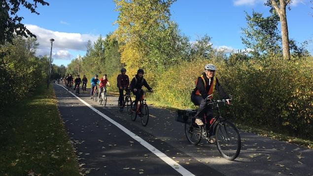 La direction a convaincu la Commission scolaire Marie-Victorin de la nécessité d'investir dans une flotte de 30 vélos servant aux jeunes de 1re à 3e secondaire inscrits en Science plein air.