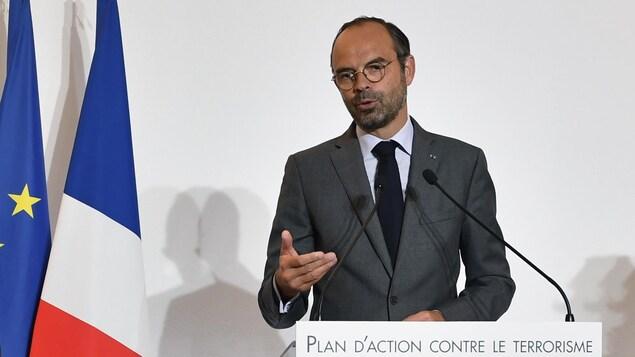 Le premier ministre français Édouard Philippe présente son plan d'action contre le terrorisme.