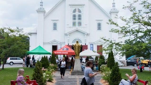 Le projet 1606 a transformé l'église en lieu de rassemblement culturel pour la collectivité.