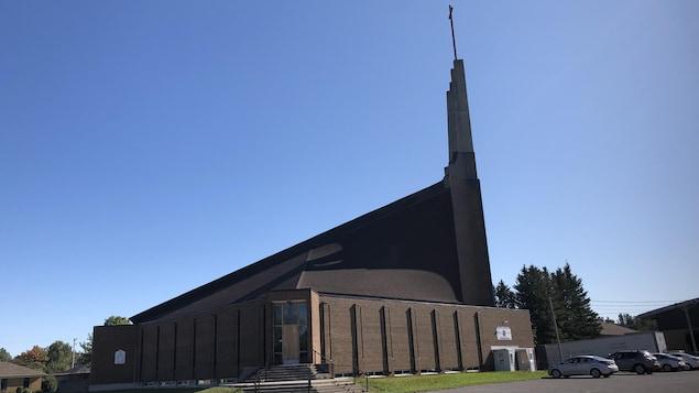 L'église Saint-Isidore.