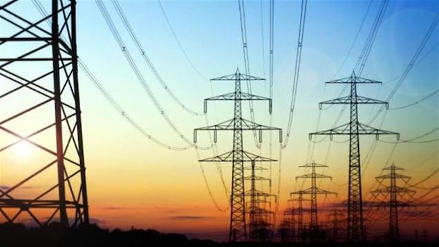 Des pylônes de transport de l'électricité.