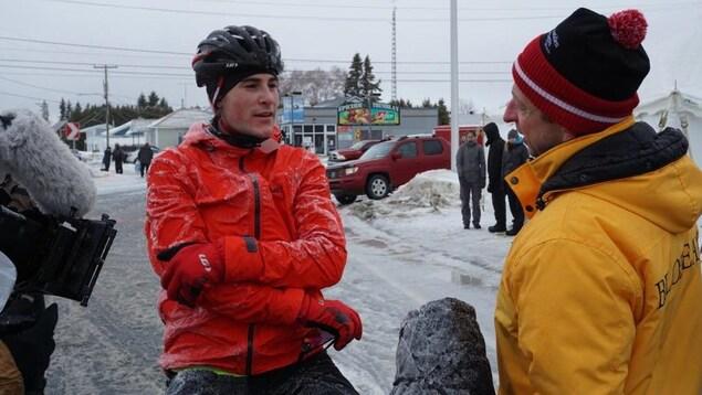 Elliot Doyle lors de la Traversée du lac Saint-Jean à vélo