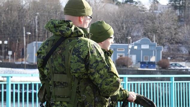 Entraînement des réservistes des Fusiliers du Saint-Laurent des Forces armées canadiennes