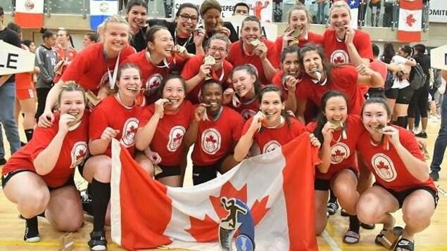 L'équipe canadienne de handball lors de sa qualification aux Jeux panaméricains.