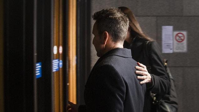 Éric Salvail à son entrée au palais de justice de Montréal, le 19 février 2020.
