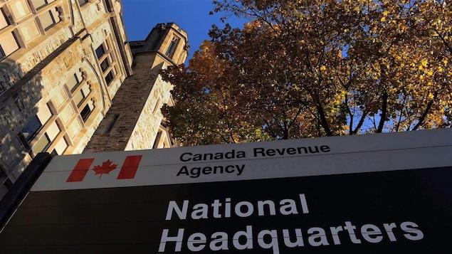 L'édifice du quartier général de l'Agence du revenu du Canada, à Ottawa.
