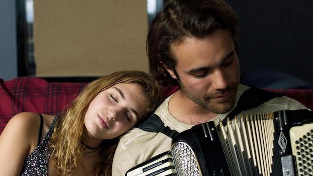 Sophie Nélisse et Jean-Simon Leduc dans le film de Léa Pool «Et au pire, on se mariera»