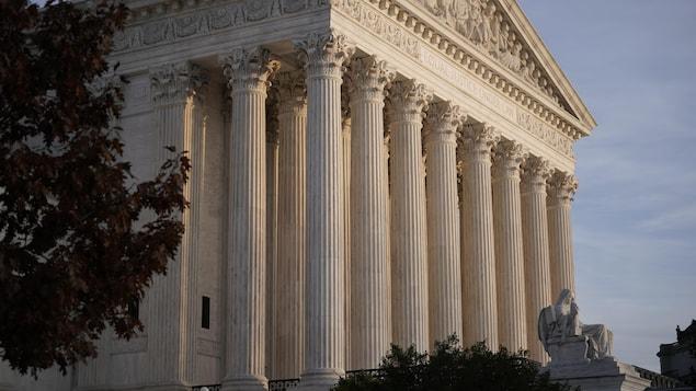 Façade de la Cour suprême à Washington.