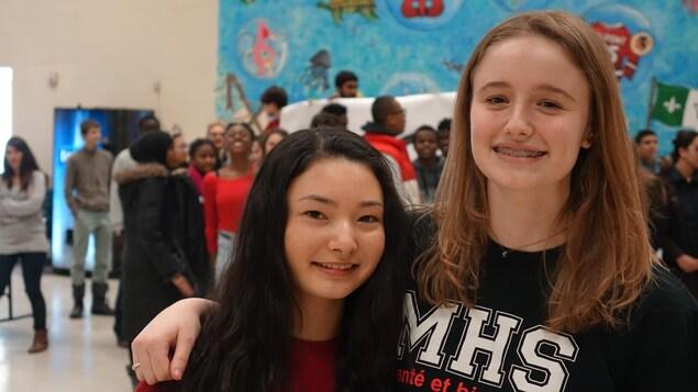 Chloé Herbulot et Gabrielle Mizzi, deux athlètes qui s'inspirent du succès de Patrick Chan.