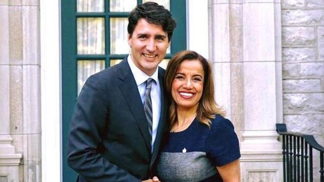 La députée libérale de Vimy, Eva Nassif, en compagnie du chef du Parti libéral du Canada Justin Trudeau.