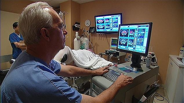 Examen de la prostate en milieu hospitalier