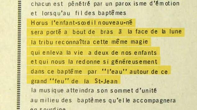 Un texte raconte le baptême d'un nouveau-né par l'eau autour d'un grand feu de la Saint-Jean.