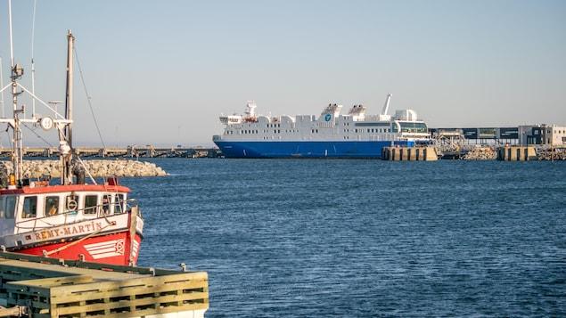 Le navire F.-A.-Gauthier au port de Matane