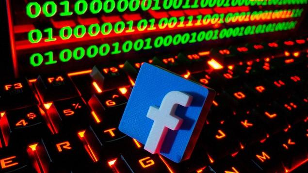 Un logo de Facebook.
