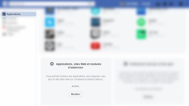 Une capture d'écran montrant le menu «Applications» de Facebook dont une grande partie est floutée pour ne laisser visible que la boîte «Applications, sites Web et modules d'extension».