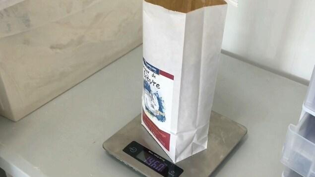 La farine de La Fourmilière est vendue dans les marchés publics de Ville-Marie et de Rouyn-Noranda.