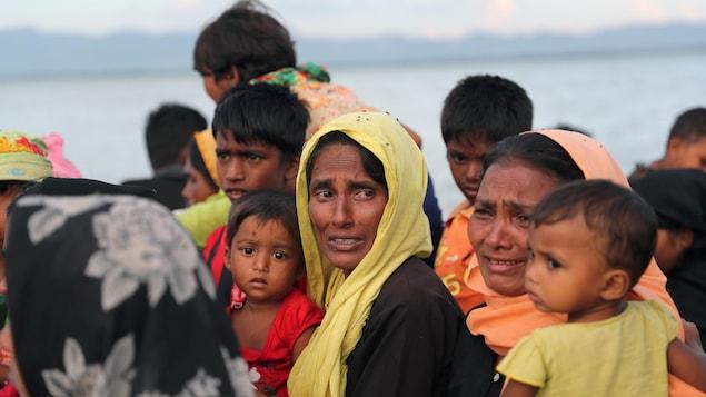 Des femmes et des enfants rohingya