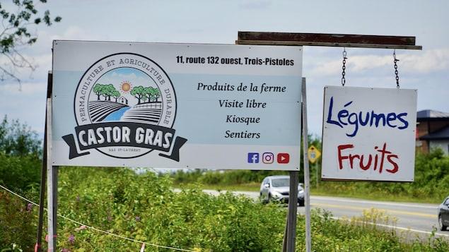 Pancarte de la Ferme du Castor Gras.