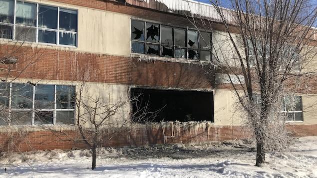 Les traces de l'incendie qui a touché l'école primaire Victor-Cormier de La Sarre.