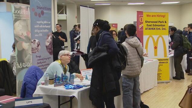 La Cité francophone d'Edmonton a accuelli une trentaine d'entreprises de la région dans le cadre d'une foire d'emploi.