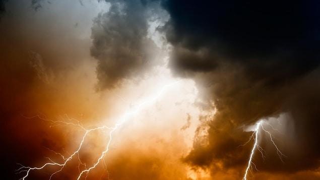 La foudre lors d'un orage.