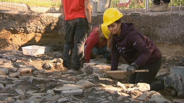 Les étudiants en archéologie de l'Université Laval ont fait plusieurs découvertes.