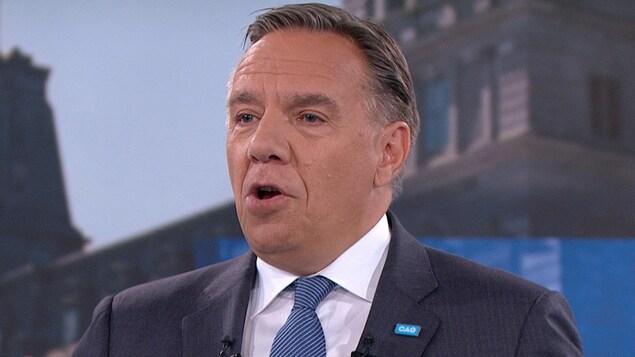François Legault est sur le plateau du débat à TVA.