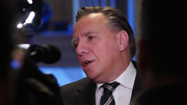 Le premier ministre du Québec François Legault répond aux questions des journalistes..