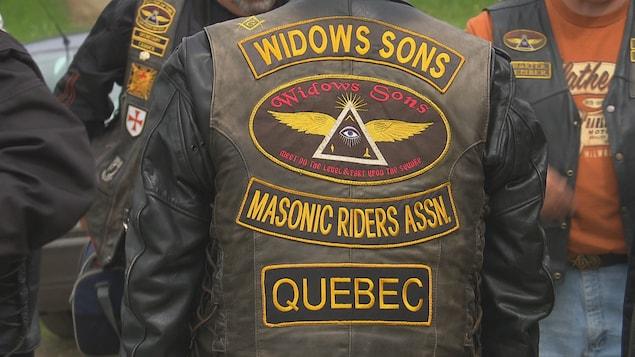 Les francs-maçons seraient environ 5000 membres au Québec.