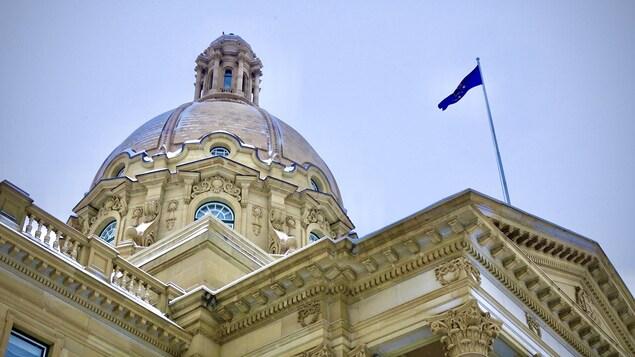 Vue de l'Assemblée législative de l'Alberta, à Edmonton, en hiver.