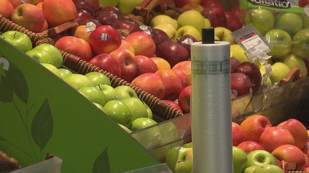 Des fruits sans emballage pour éviter l'utilisation de sac à usage unique.