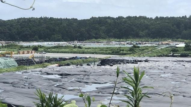 Le centre d'enfouissement du ministère de l'environnement japonais à Okuma, près de la centrale nucléaire de Fukushima.