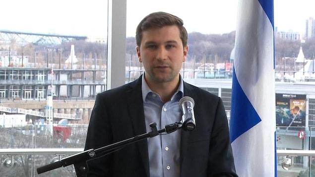 Gabriel Nadeau-Dubois sera candidat dans la circonscription de Gouin sous la bannière de Québec solidaire.
