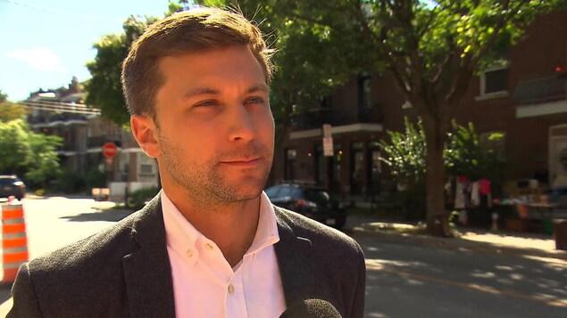 Le co-porte-parole de Québec solidaire Gabriel Nadeau-Dubois soutient que le Québec a besoin de plus d'investissement en francisation.
