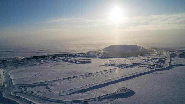 La mine de diamants Gahcho Kué en hiver.