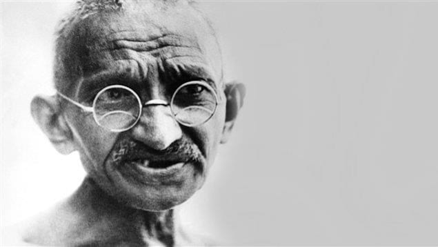 Portrait daté du 24 juillet 1931 à New Delhi du Mahatma Gandhi