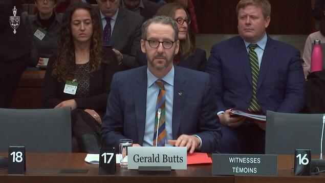 Gerald Butts témoigne devant le comité de la justice.