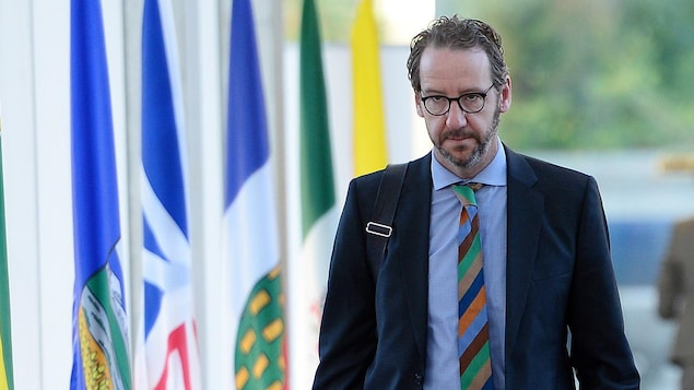 Gerald Butts , secrétaire principal du premier ministre Justin Trudeau, arrive à la réunion des premiers ministres à Ottawa, le mardi 3 octobre 2017.