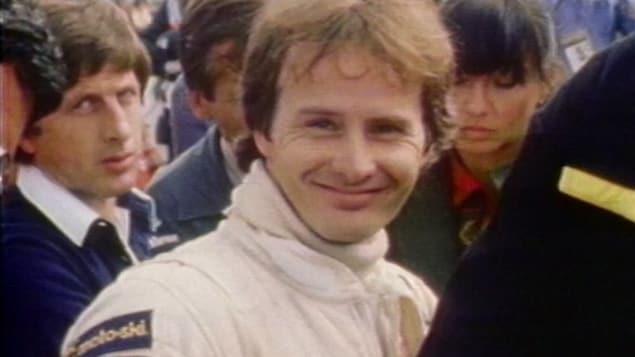 Visage souriant de Gilles Villeneuve.