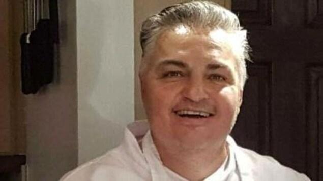 Glenn Forbes est chef au restaurant La Cache d'Amélie, à Baie-Comeau.